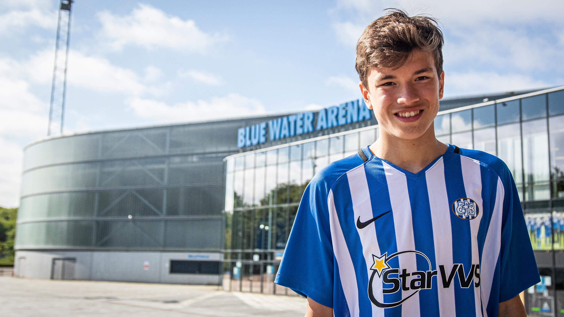 EfB skriver kontrakt med Damian van der Vaart